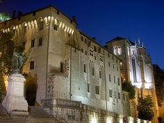 Château des ducs de Savoie à Chambéry © domaine public