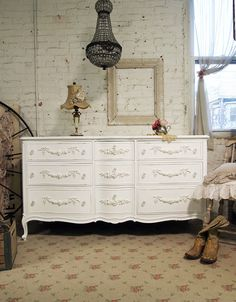Shabby chic cottage feel. Would look fab in the girls room.