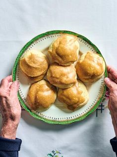 Fennel Taralli | RICARDO Fudge Cookies, Oatmeal Cookies, Fennel Taralli Recipe, Favorite Cookie Recipe, Favorite Recipes, Biscuits Graham, Cookie Recipes, Dessert Recipes, Ricardo Recipe