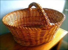 Vintage wicker basket...looks just like one I have