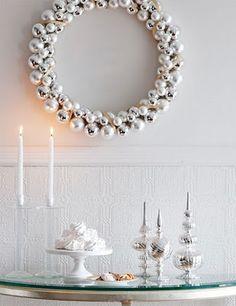 pretty diy holiday wreath using silver ornaments
