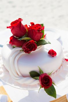 8 Best Weddings Kuda Huraa Images Maldives Wedding Four Seasons