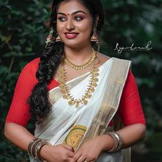Beautiful Girl Indian, Beautiful Women, Indian Sarees, Traditional Outfits, Indian Beauty, Photos, Pictures, Sari, Asian