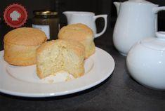 La recette du biscuit de Savoie par Christophe Michalak, un gâteau léger et ultra moelleux idéal pour l'heure du thé.