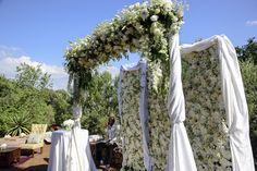 Glamorous Wedding, Red Wedding, White Roses, White Flowers, White Floral Arrangements, White Weddings, Reception Areas, Rose Petals, Flower Wall