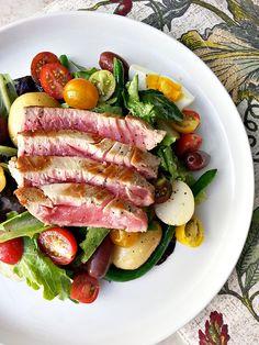 seared ahi tuna Niçoise salad use olive oil as dressing