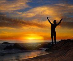 """""""En resumidas cuentas, en este mundo, cada cual consigue lo que se merece. Pero sólo quienes alcanzan el éxito lo reconocen.""""   ―Georges Simenon"""