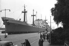 September 1952 aan de Parkkade te Rotterdam  http://vervlogentijden.blogspot.nl/2015/06/elke-dag-een-nederlands-schip-uit-het_15.html
