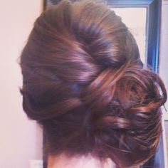 www.chicagostylelust.com low side bun with loose curls pinned up. Bridal hair styles. Bride or bridesmaid hair styles. Wedding updo. Party or special event