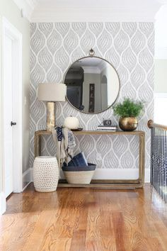 Trendy Wallpaper Accent Wall Entryway Home Decor 68 Ideas Retro Home Decor, Home Decor Styles, Home Decor Accessories, Decoration Entree, Space Interiors, Home Accents, Living Room Decor, Living Rooms, Living Room With Mirror