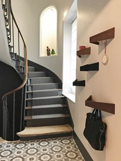 The Best 2019 Interior Design Trends - Interior Design Ideas Victoria House, Flooring For Stairs, Archi Design, Entry Hall, Decoration Design, Stairways, Home Projects, House Design, Interior Design