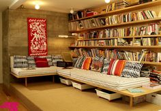 Live a TV room, but for books.
