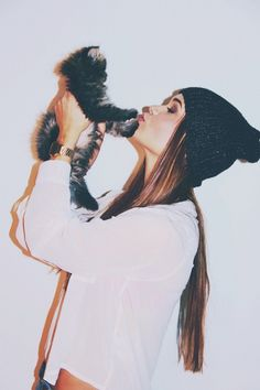Hipster girl with cute kitten ❁✧ Bella Montreal ✧❁