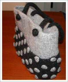Filzen | antetanni- Diy Purse, Projects To Try, Slippers, Handbags, Purses, Felted Bags, Crochet, Womens Fashion, Petra