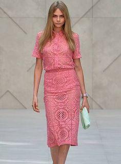 A Burberry, um dos mais aguardados desfiles da Semana de Moda de Londres, foi o grande destaque da segunda-feira BEN STANSALL / AFP