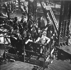 Workers of the Sydney Harbour Bridge.