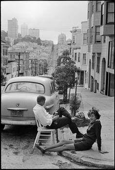 WEBSTA @ historicalpix - Summer in San Francisco. Photo by Henri Cartier-Bresson. Henri Cartier Bresson, Magnum Photos, Candid Photography, Vintage Photography, Urban Photography, Color Photography, Street Photography People, Landscape Photography, Portrait Photography