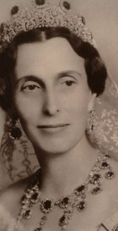 Louise of Sweden. Her parents were Victoria, Marchioness of Milford Haven, and Prince Louis of Battenberg, son of Princess Battenberg.