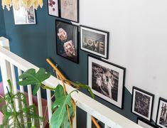 De woonkamer make-over deel jungle behangpaneel van KEK Amsterdam Peach Blossoms, Light Peach, Midcentury Modern, Gallery Wall, Mid Century, Frame, Car, Home Decor, Style