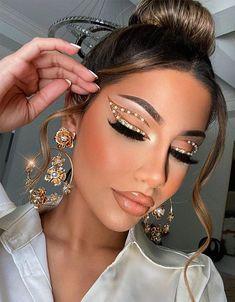 Ideal & Wonderful Makeup Highlights to Rock this Ways Daily Makeup, Makeup Tips, Makeup Ideas, Special Makeup, Highlighter Makeup, Up Hairstyles, Urban Decay, Makeup Inspiration, Makeup Looks