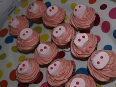 Pig snout cupcakes.   These are too funny!
