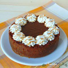 Cheesecake cu caramel 5 Chocolate Caramel Cheesecake, Doughnut, Oreo, Biscuit, Healthy Recipes, Desserts, Food, Lasagna, Recipe Ideas