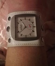 Apple Watch, Smart Watch, Watches, Smartwatch, Wristwatches, Clocks