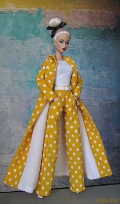 Victoire Roux Evening in Montreal Doll Clothes Barbie, Vintage Barbie Dolls, Barbie Dress, Barbie Sewing Patterns, Doll Clothes Patterns, Barbie Life, Barbie And Ken, Fashion Royalty Dolls, Fashion Dolls