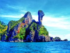 A Guide to West Coast Island Hopping in Thailand | http://adventurousmiriam.com/guide-thailand-island-hopping/
