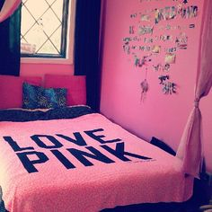 Essential read Teen Girl Bedrooms ideas ref 4476534184 - From incredibly sweet to the captivating teen room decor ideas and tricks. Bedroom Decor For Teen Girls, Teen Girl Rooms, Teen Room Decor, Home Decor Bedroom, Bedroom Ideas, My New Room, My Room, Pink Bedspread, Shabby Chic Colors