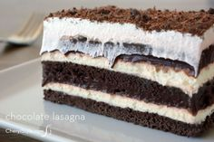 You've never seen a recipe for chocolate lasagna like this before. If you're a chocoholic, you're guaranteed to love Creamy Chocolate Lasagna. Made with chocolate graham crackers and chocolate pudding, this dessert is a chocolate lover's paradise. Easy Chocolate Desserts, Chocolate Lasagna, Just Desserts, Delicious Desserts, Types Of Desserts, Chocolate Cake, Sweet Recipes, Cake Recipes, Dessert Recipes