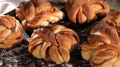 Kanelknuter fra Bakeriet i Lom - Oppskrift fra TINE Kjøkken Easy Smoothie Recipes, Easy Smoothies, Snack Recipes, Snacks, Norwegian Food, Cinnamon Recipes, Savoury Baking, Sweet Pastries, Coconut Recipes