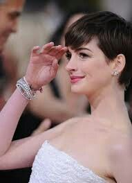 The Beverly Hilton, Beverly Hills, CA. Golden Globe Award, Golden Globes, Anne Hathaway Haircut, Anne Hattaway, Anne Hathaway Photos, Critic Choice Awards, British Academy Film Awards, Most Beautiful People, People Magazine