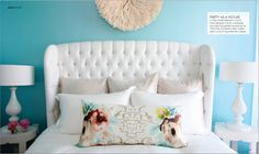 Woonkamer: Blauw met witte meubels