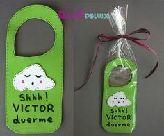 Colgador puerta para Víctor Ideas Para, Christmas Ornaments, Holiday Decor, Tips, Painting, Feltro, Door Hangers, Craft Kids, Boy's Day