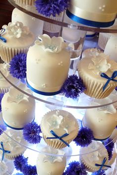 Cornflower cupcakes - so pretty! Read more about the herbal skincare properties of cornflower at www.herbhedgerow.co.uk