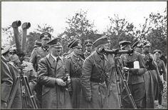 3rd Reich LDR 1939 Bundesarchiv_Bild_101I-013-0064-35,_Polen,_Bormann,_Hitler,_Rommel,_v._Reichenau