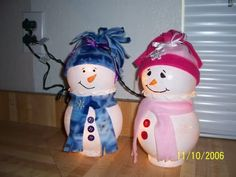 snowmen ... I saved the glass globes from a old lighting fixture, gonna try this with those.