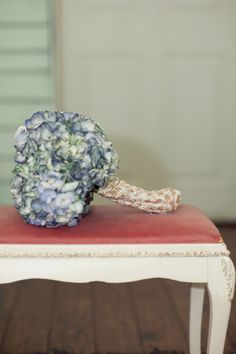 Vintage looking bouquet - fabric wrapped?