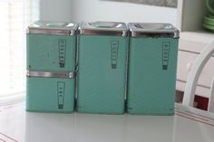 Lincoln Beautyware Turquoise Canister Set