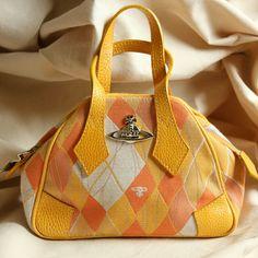 Trendy Purses, Cute Purses, Mode Vintage, Vintage Bags, Vintage Gucci, Vivienne Westwood Bags, Estilo Madison Beer, Outfits Inspiration, Dr Shoes