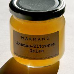 Dieses Gelee verbindet die fruchtige Süße der Ananas mit dem bitteren Aroma der Zitrone. Ich bereite es aus Ananassaft, Bio-Zitronen, Zucker und Pekti
