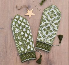 White Spruce (Lilla Sockertopp) pattern by JennyPenny White Spruce, Needles Sizes, Mitten Gloves, Holidays And Events, Ravelry, Swatch, Knitting Patterns, Designers, Wool