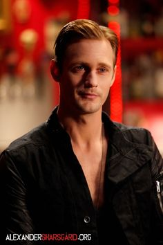 I'm not normally into blondes, but Alexander Skarsgard (Eric in True Blood) is one of the rare excpetions!