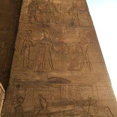 el Templo de Horus de Edfu24