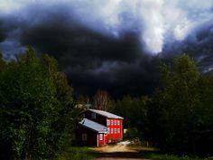 Vesimylly ja ukkosmyrsky. - Thunderstorm & Watermill.