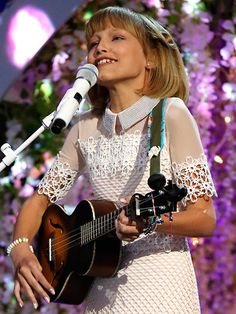 Grace Vanderwaal Sings Her Heart Out to Original Song 'Clay' on AGT Finals Grace Vanderwaal Clay, Grace Vanderwaal Ukulele, Soft Grunge Hair, Inspirational Music, Teen Choice Awards, Original Song, America's Got Talent, Celebrity Outfits, Artists