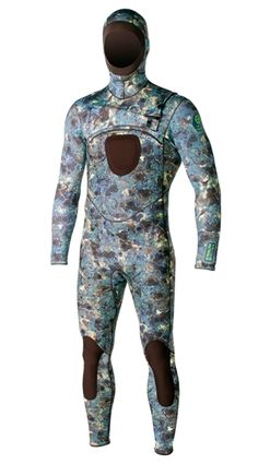 Xcel HECS X-Zip2 camo hooded 5/4 wetsuit for hunting in the sea.