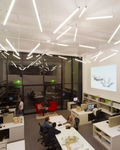 Inspiration: Creative Fluorescent Lighting Arrangements - Office Snapshots - orientación de luces en el techo y espacios grandes para que haya aire