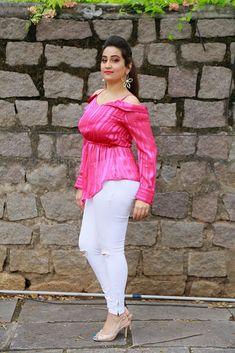 Beautiful Girl Indian, Beautiful Indian Actress, Beautiful Actresses, Indian Tv Actress, Indian Actresses, Desi Girl Image, Indian Girls Images, South Actress, Girls In Leggings